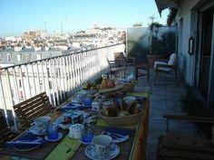 Chambres D'Hotes Paris, Vacances en France Deck, Paris, Outdoor Decor, Home Decor, France Vacations, Bedrooms, Travel, Front Porch, Decks