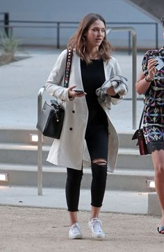 Jessica Alba's Simple Secret for Livening Up Any Look