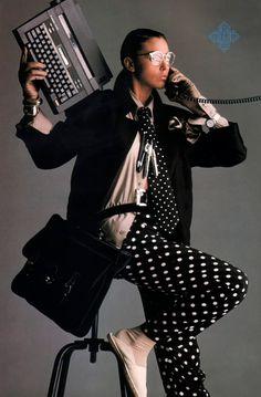 Periodicult — Gilles Bensimon for Elle magazine, July 80s And 90s Fashion, Retro Fashion, Vintage Fashion, Elle Magazine, Monica Bellucci, Editorial Fashion, Fashion Trends, Geometric Patterns, Fashion History