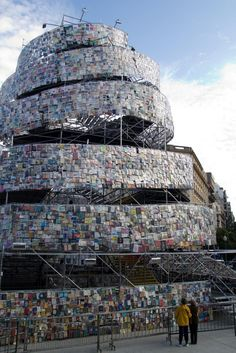 Tower of Babel Built with 30,000 Books sculpture recycling interactive installation books Argentina
