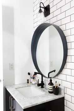 Love This Round Black Mirror In This Bathroom. Black And White Home Decor