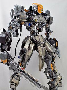 GUNDAM GUY: Humanoid Robot [Using Parts From MG Sinanju / HG Rozen Zulu] - Custom Build