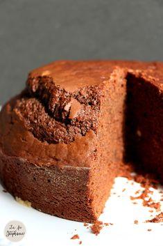 Simple gâteau au chocolat pour les Z'enfants! Recette sans beurre ni oeuf - La fée Stéphanie Sweet Recipes, Cake Recipes, Easy Vegetable Recipes, Tasty Chocolate Cake, Fondant Cakes, Healthy Cooking, Easy Meals, Sweets, Baking