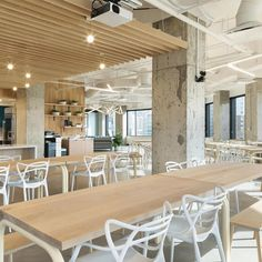 RigUp Office by Matt Fajkus Architecture - Office Snapshots Exposed Concrete, Concrete Floors, Architecture Office, Architecture Design, Glass Partition, Break Room, Lounge Areas, Custom Furniture, Mid-century Modern