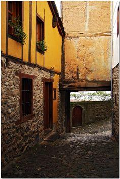 Potes #Cantabria #Spain #Travel Celtic Nations, Celtic Symbols, Architect Design, Homeland, Gin, Wander, Scenery, Colours, World