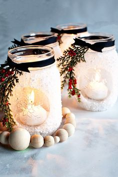 noel 2019 Im thrilled that this seasons Ball Keepsake Collectible Holiday Jar is an ode to the stunning snowflake! I decided that a fun way to use this fun collectible jar is to make snowfla Mason Jar Christmas Crafts, Christmas Centerpieces, Jar Crafts, Rustic Christmas, Christmas Projects, Holiday Crafts, Christmas Gifts, Christmas Decorations, Christmas Ornaments
