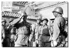 japanese army officer  canteens   Ww2 Japanese Soldier Japanese army officers confer