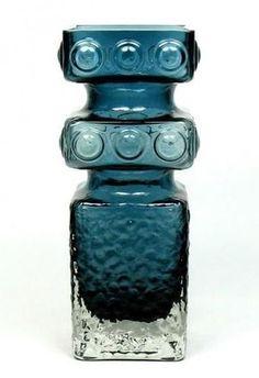 Riihimaki Kehra by Tamara Aladin, design number Produced Glass Art Design, Design Art, Glass Ceramic, Glass Vase, Mid Century Modern Design, Vintage Pottery, Retro Art, Antique Glass, Aladdin