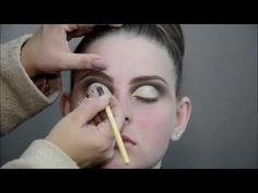 Cut Crease dramático Maquiagem Tati Bueno - YouTube