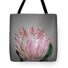 Botanical inspirations tote bag shopper ..   #totebag   #shopper  #fashion   #fashionbloggers   #protea  #flowers   #fineartamerica  #botanical  #bags