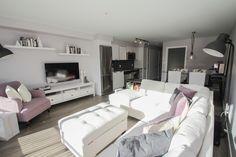 #Realestatephotography, #livingroom, #white, #modern, #Victoria, #BC, #Canada, #victoriabc #victoriaphotography #vancouverisland #bcphotographer, #karaphotography
