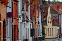 Brugge (Belgium) - A fairytale - Loved the Waffles, Cappucino, Beer and Chocolate Truffles