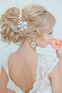 Brautfrisuren-Trends 2015 - Hochsteckfrisuren  Mehr Hochzeitstipps auf www.sandrahuetzen.de