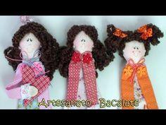 BACALATE: Como fazer Boneca Marcador de Página ou Pingente - DIY, artesanato Fun Projects, Sewing Projects, Sewing Ideas, Doll Videos, Felt Art, Baby Cards, Homemade Gifts, Doilies, Bookmarks