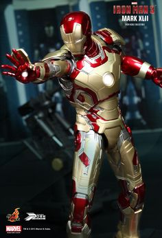Hot Toys : Iron Man 3: - Power Pose Mark XLII 1/6th scale Collectible Figurine