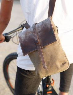 Waxed Canvas, Canvas Leather, Leather Bag, Biker, Bike Bag, Great Gifts For Men, Cycling Bikes, Bushcraft, Travel Bag
