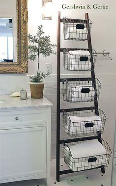 Wood Display Ladder with 5 Baskets