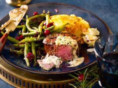Filetsteak mit Blitz-Hollandaise und Cranberryböhnchen