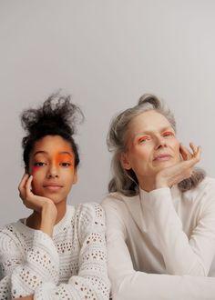 Töchter des Regenbogens - Heyday Make Up Inspiration, Photoshoot Inspiration, Best Ager Model, Beauty Fotos, Old Portraits, Old Models, Beauty Editorial, Poses, Beauty Make Up