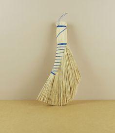 Hand broom no.4 - Dutch style made of rice straw