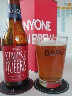 Cerveja Barco Kings e Queens, estilo Belgian Golden Strong Ale, produzida por Barco, Brasil. 5.8% ABV de álcool.