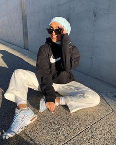 Modest Fashion Hijab, Modern Hijab Fashion, Street Hijab Fashion, Casual Hijab Outfit, Muslim Fashion, Cute Casual Outfits, Retro Outfits, Modesty Fashion, Mode Ootd