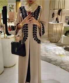 2017 new Adult Casual lace cotton Robe Musulmane Turkish Printed Abaya Muslim Dress Cardigan Robes Arab Worship Service Arab Fashion, Islamic Fashion, Muslim Fashion, Modest Fashion, Fashion Outfits, Womens Fashion, Hijab Chic, Abaya Chic, Estilo Abaya