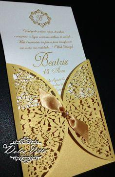 Criamos esse modelo para 15 anos da debutante Nermin corte a laser impressão de relevo dourada   convite muito charmoso papel da relux gold...