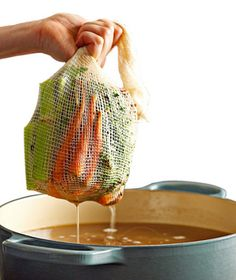 Stuff these expandable cheesecloth bags with herbs, vegetables, or anything else you need to flavor your favorite stock. When cooking is complete, simply remove the bag and enjoy without any mess.