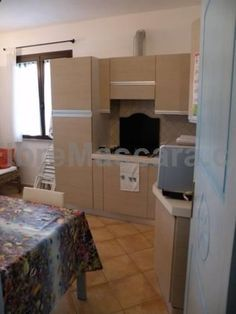 Casa il ponte 2 Santa Maria Navarrese Casa il ponte 2 is a detached holiday home with a terrace, set in Santa Maria Navarrese. The unit is 40 km from Fonni. The kitchenette is equipped with a microwave. Towels and bed linen are offered in this holiday home.