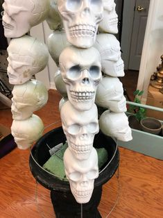This is a great family DIY project that will be an original Halloween decoration at your house! Mix it up! Don't display the same decorations everyone on the st… Halloween Shadow Box, Halloween Trees, Halloween Skeletons, Outdoor Halloween, Halloween Skull, Halloween Projects, Halloween House, Halloween Crafts, Holiday Crafts