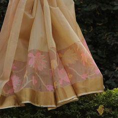 A beautiful, light and elegant collection of Banarasi handloom Kora Silk sarees. Soft hued, delicate and handwoven with care, these Kora sarees are wardrobe essentials and wearable art! Kora Silk Sarees, Handloom Saree, Saree Blouse, Sari, Female Fashion, Womens Fashion, Diamond Necklace Set, Wearable Art, Hue