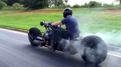 AWDディーゼル・ターボのバイク!? とてつもなくカッコいいけど…乗りこなせなそう : forRide(フォーライド)
