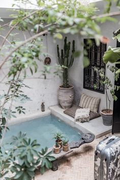 La Maison the House – the most photogenic riad from Marrakech that I know so far, recently went viral… Inside House Plants, Exterior Design, Interior And Exterior, Outdoor Spaces, Outdoor Living, Small Pool Design, Rustic Home Design, Aesthetic Rooms, Deco Design