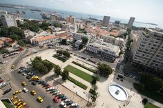Dakar is a major city in Senegal. It is also the capital. It is on the coast with a great view of the ocean. It is the most populated city in Sénégal.(View of place independence)