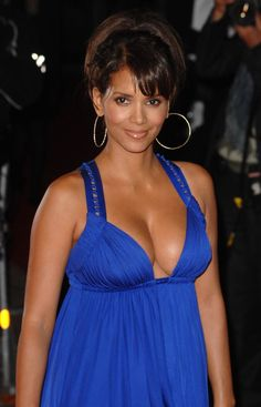 Halle Berry Hot Sexy Boobs Cleavage SideBoob Ass Legs Leg-Bomb See-Through Pokies Swimsuit Bikini Lingerie