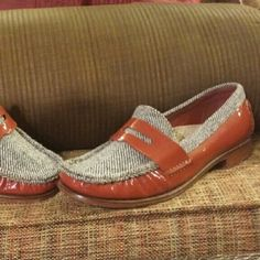Cole Haan Twill & Rust Patent Penny Loafer Sz7 1/2 These twill and rust patent leather penny loafers are gorgeous. They are definitely eye catching will at the job or taking a stroll! Too die for! Cole Haan Shoes Flats & Loafers