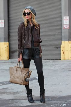 Streetstyle mit Leder-Shorts