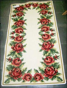 Cross Stitch Rose, Cross Stitch Animals, Cross Stitch Flowers, Cross Stitching, Cross Stitch Embroidery, Hand Embroidery, Embroidery Designs, Cross Hands, Christmas Cross