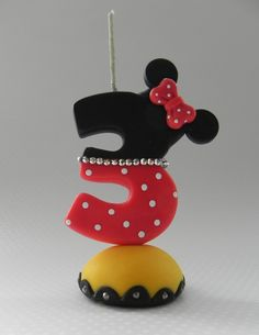 Minnie Birthday, Birthday Party Themes, Fondant Letters, Disney Precious Moments, Cake Lettering, Minnie Mouse, Number 3 Cakes, Fondant Decorations, Sugar Art