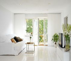 White living room, Elle Decor. http://www.kenisahome.com/blog