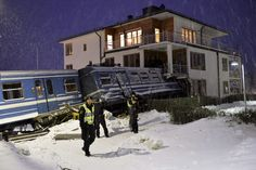 Cleaner steals train in Sweden, crashes into house, official says - PhotoBlog