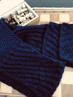 Babyalpaka 200cm langer Schal, passend zum Pullover an meiner Pinwand! Nach einem Free Pattern von Junghans. (unbezahlte Werbung) Junghans, Baby, Pullover, Blanket, Free, Fashion, Advertising, Breien, Moda
