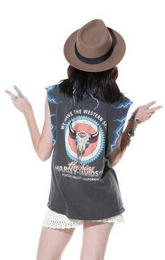 Vintage Harley Davidson Muscle Tee - Saltwater Gypsy #saltwatergypsy #vintage