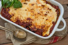 The Ultimate Guide to Oven Temperatures+ Seriously Easy Moussaka Almond Recipes, Greek Recipes, Depression Era Recipes, Sauce Béchamel, Meat Sauce, Roast Zucchini, European Cuisine, Easy Meal Plans, Salads