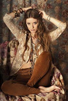boho chic♥....#EvolvingFashion #JewelryLayering #NecklaceLayering http://evolvingfashion-hair-nails-clothing.blogspot.com/