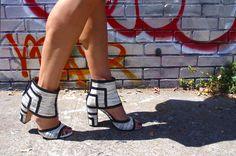 Printed Rebeca Minkoff sandals | La Vie de Villa #fashion #streetstyle #blogger