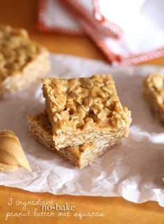 3 Ingredient No Bake Peanut Butter Oat Squares can be thrown together in just minutes. These easy oatmeal bars are so simple, and the best snack! No Bake Desserts, Just Desserts, Delicious Desserts, Dessert Recipes, Yummy Food, Snack Recipes, Peanut Butter Oat Bars, Peanut Butter Recipes, Almond Butter