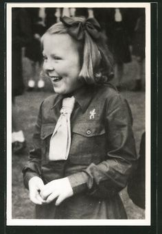 alte AK H.K.H. Prinses Beatrix in kabouter-uniform 1946, Pfadfinder | eBay Dutch Brownie