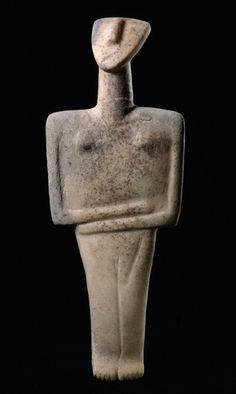 Female figurine of the post-canonical type marble Early Cycladic II period - Syros phase Ancient Greek Art, Ancient Aliens, Egyptian Art, Ancient Greece, Ancient Egypt, Art Sculpture, Stone Sculpture, Ceramic Sculpture Figurative, Ancient Goddesses